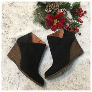 Lucky Brand Yakeena Suede Wedges Boots Sz 10M